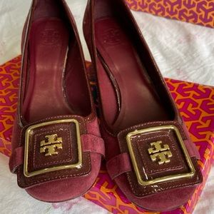 Tory Burch classic low heals, size 8, burgundy